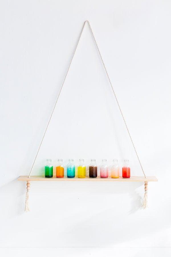 Coole DIY Projekte für den Sommer auf Pinterest: Bunte Glasvasen von Fall for DIY