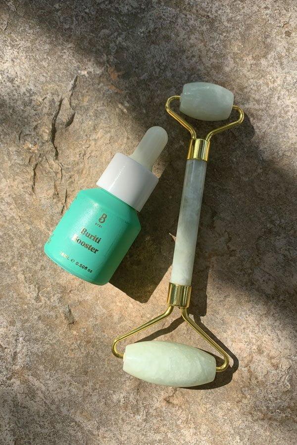 YU Jade Roller & BYBI Buriti Booster im Hey Pretty Tutorial: Wie wendet man einen Jade Roller richtig an?