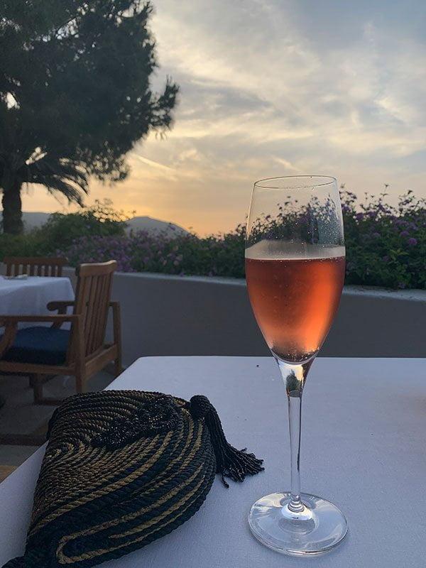 Dinner and champagne im Helios Restaurant des Anassa Resorts Zypern (Hey Pretty)