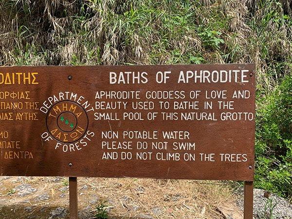 Aphrodite Quelle in Paphos, Zypern (Jeep safari with Debbie im Anassa Hotel Zypern (Hey Pretty Review)