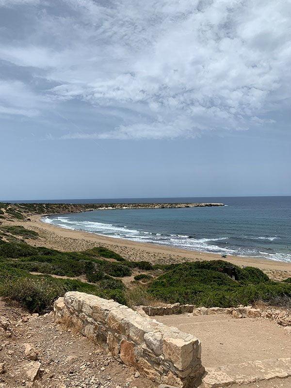 Lara Beach in Zypern: Stay off the fucking sand, da sind Meeresschildkröten am Nisten!