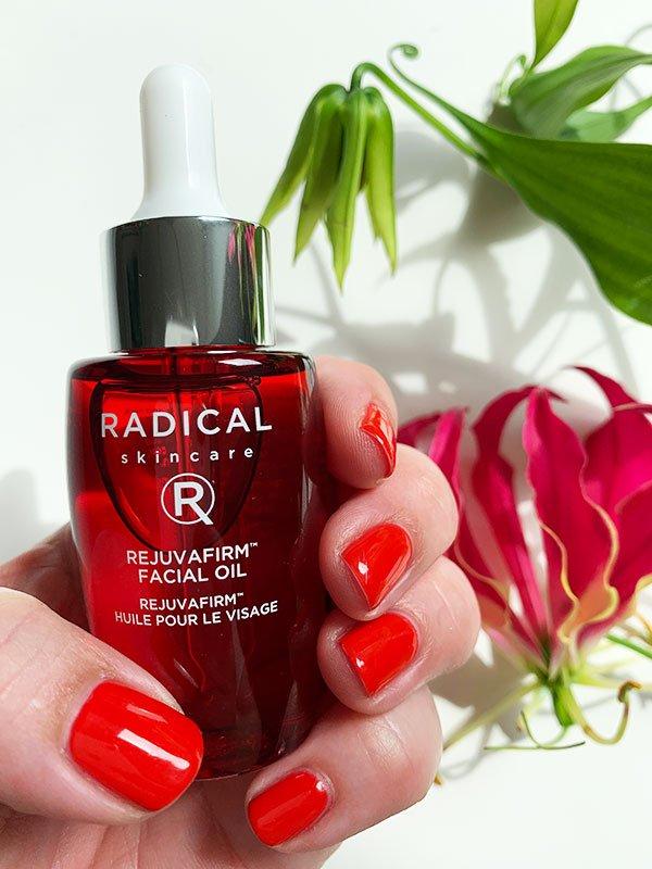 Radical Skincare Rejuvafirm CBD Facial Oil: Erfahrungsbericht und Verlosung auf Hey Pretty Beauty Blog