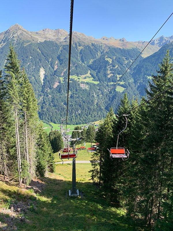 Sessellift Garfrescha im Montafon: Rauf auf den Berg mit Hey Pretty!