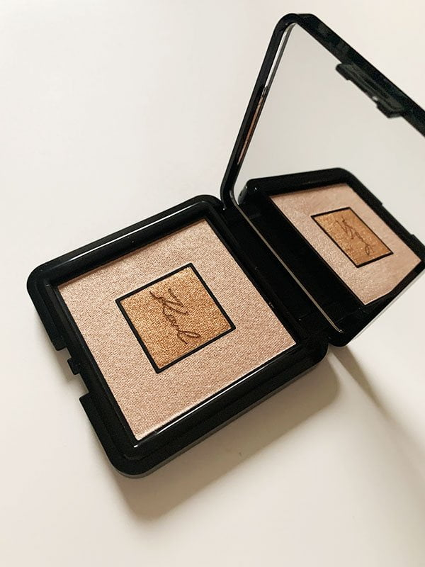 Karl X L'Oréal Paris Highlighter Compakt, Limited Edition 2019 –Review auf Hey Pretty Beauty Blog