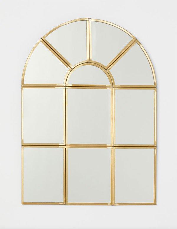 Spiegel in Fensterform von H&M Home (Weihnachtsdeko Inspiration 2019 auf Hey Pretty)