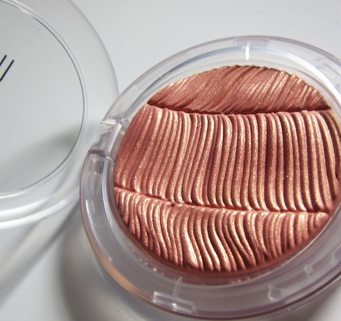 MAC Extra Dimension Skinfinish in Hot Damn-oiselle D'Avignon (Hey Pretty Beauty Blog) März 2020