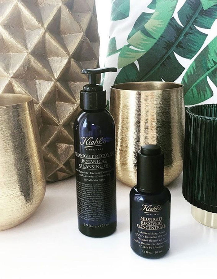 Kiehls Midnight Recovery Cleansing Oil und Serum Show Me Your Badezimmerschränkli: Bianca (Hey Pretty Beauty Blog-Serie: Top Shelf von Blogleserinnen, die ihre Pflegeroutine vorstellen)