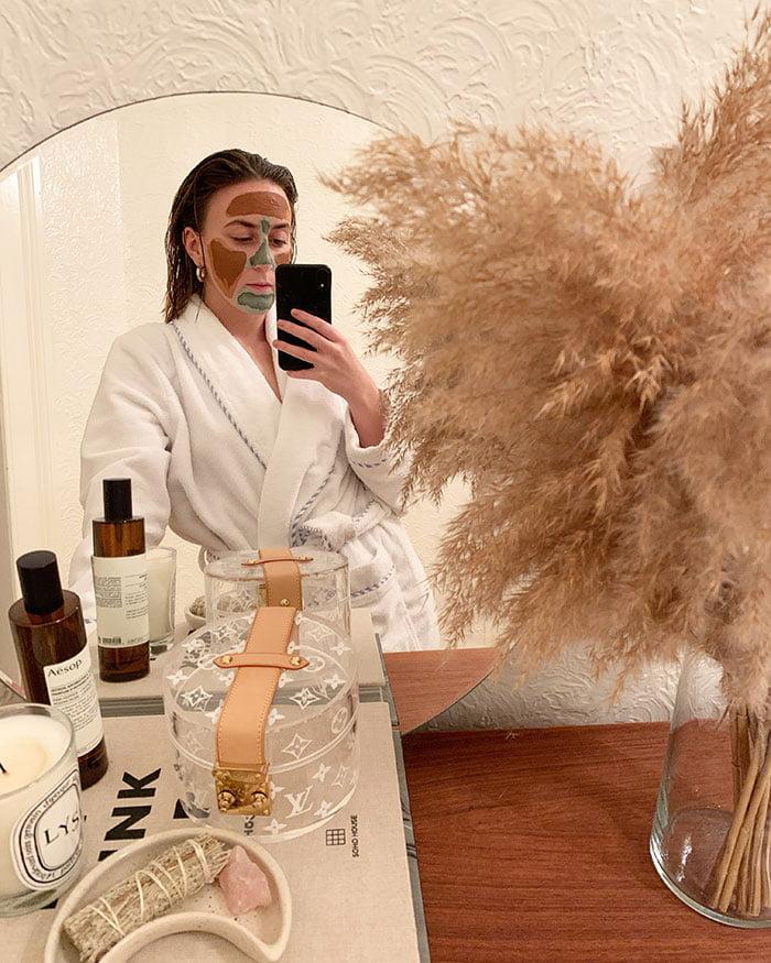 Show Me Your Badezimmerschränkli mit Carla Reinhard, Beauty Editor beim Style Magazin und Bolero (Hey Pretty Beauty Blog Top Shelf Lieblinge: Beautyroutinen)