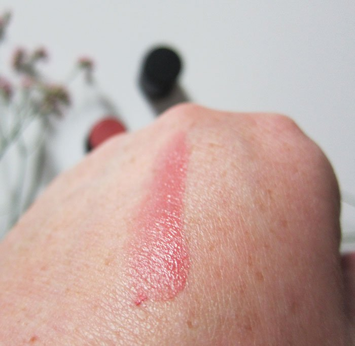 Swatch NUI Cosmetics Cream Blush in Pititi (Hey Pretty Beauty Blog Erfahrungsbericht der veganen Naturkosmetik Make-Up Marke aus Berlin – mit Kultkosmetik.ch)