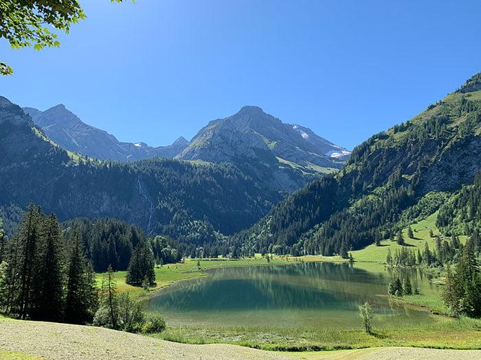 Pferdekutschenfahrt an den Lauenensee: Spa Review im Le Grand Bellevue Gstaad – Erfahrungsbericht auf Hey Pretty