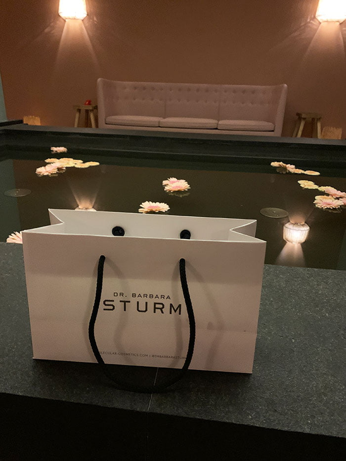 Dr. Barbara Sturm Gesichtsbehandlung im Le Grand Bellevue Gstaad: Spa Review auf Hey Pretty Beauty Blog