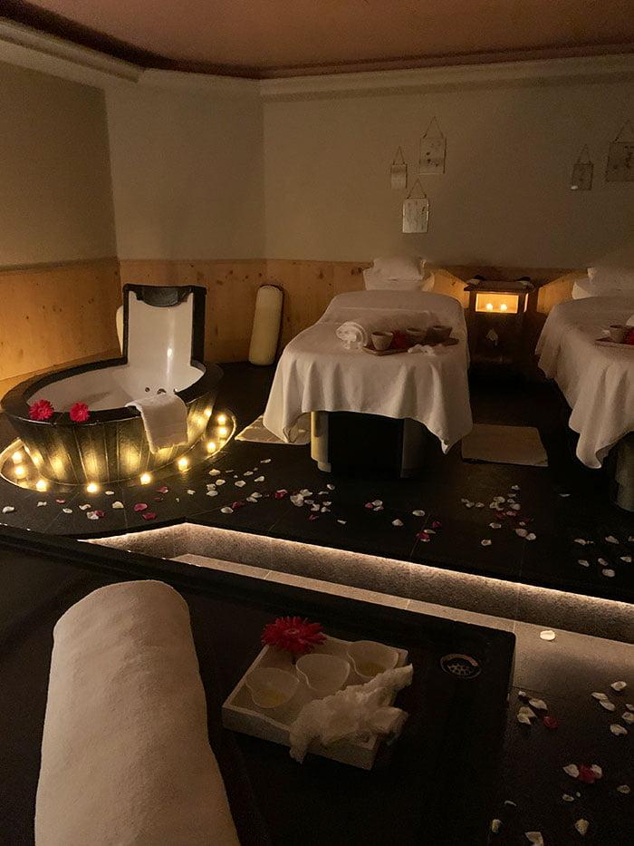 Behandlungsraum Le Grand Bellevue – Spa Review: Le Grand Bellevue Gstaad – Erfahrungsbericht einer wundervollen 3-Tages-Auszeit auf Hey Pretty Beauty Blog