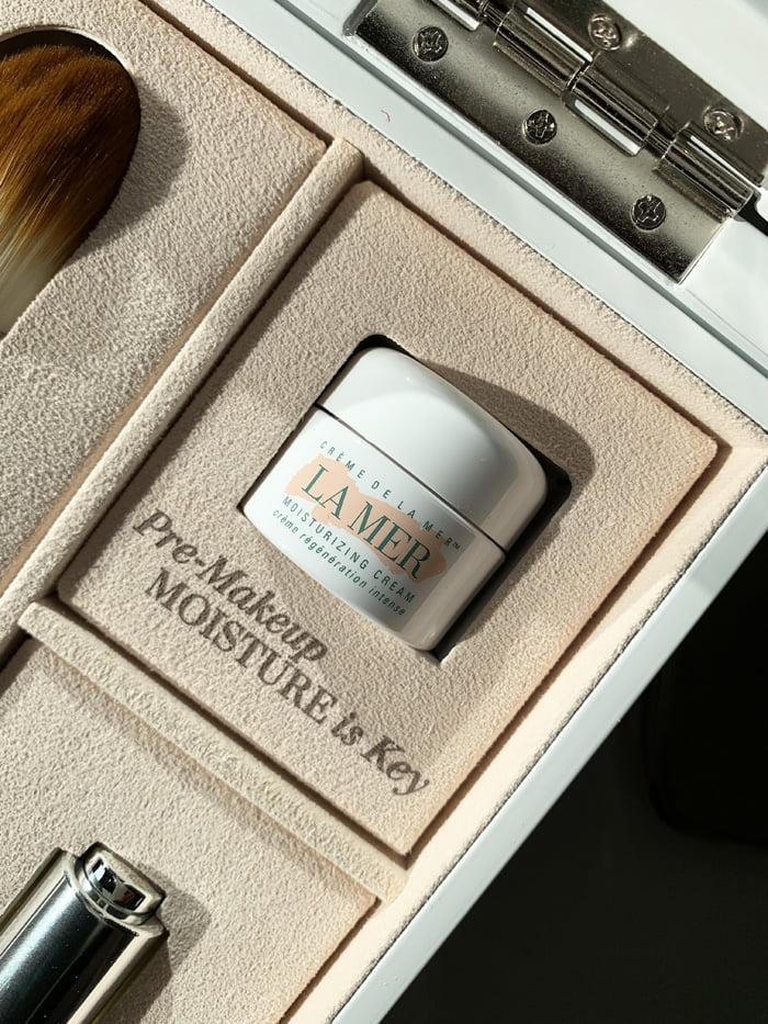 Hey Pretty Review La Mer Soft Moisture Powder Foundation Creme de La Mer