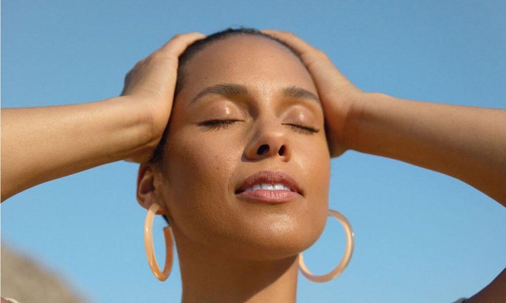 PR Image: Alicia Keys, Keys Soulcare – Review auf Hey Pretty Schweiz
