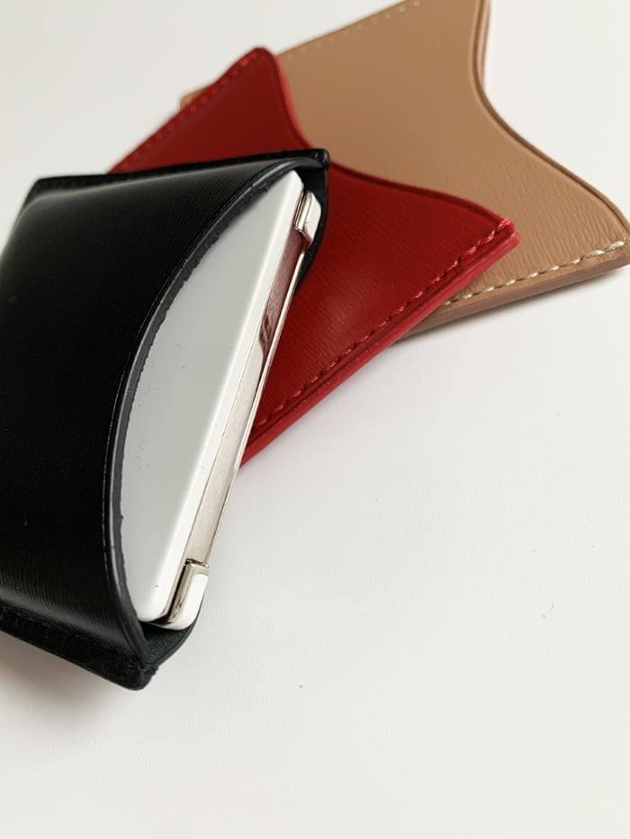 Hey Pretty Review La Bouche Rouge Fine Leather Case