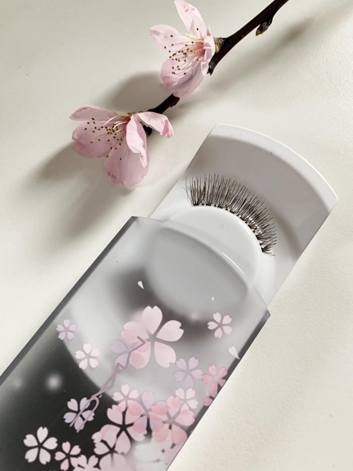 Hey Pretty Review MAC Makeup Black Cherry Dreamgirl Lash