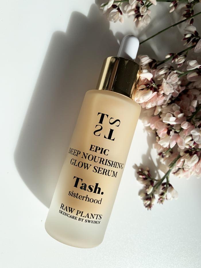 Hey Pretty Beauty Blog Review Tash Sisterhood Raw Plants Skincare by Sweden Epic Deep Nourishing Glow Serum