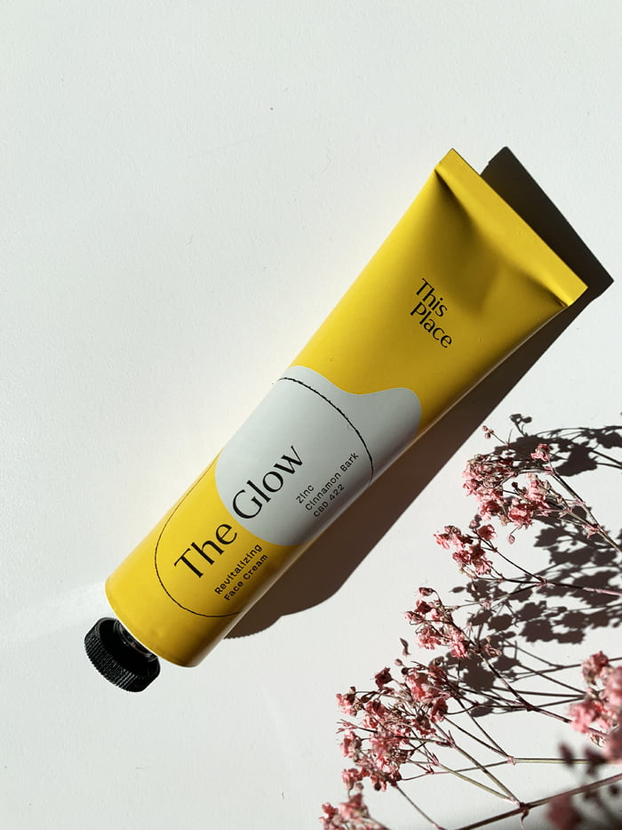 Hey Pretty Beauty Blog Review This Place CBD Skincare Wellbeing The Glow Revitalizing Face Cream