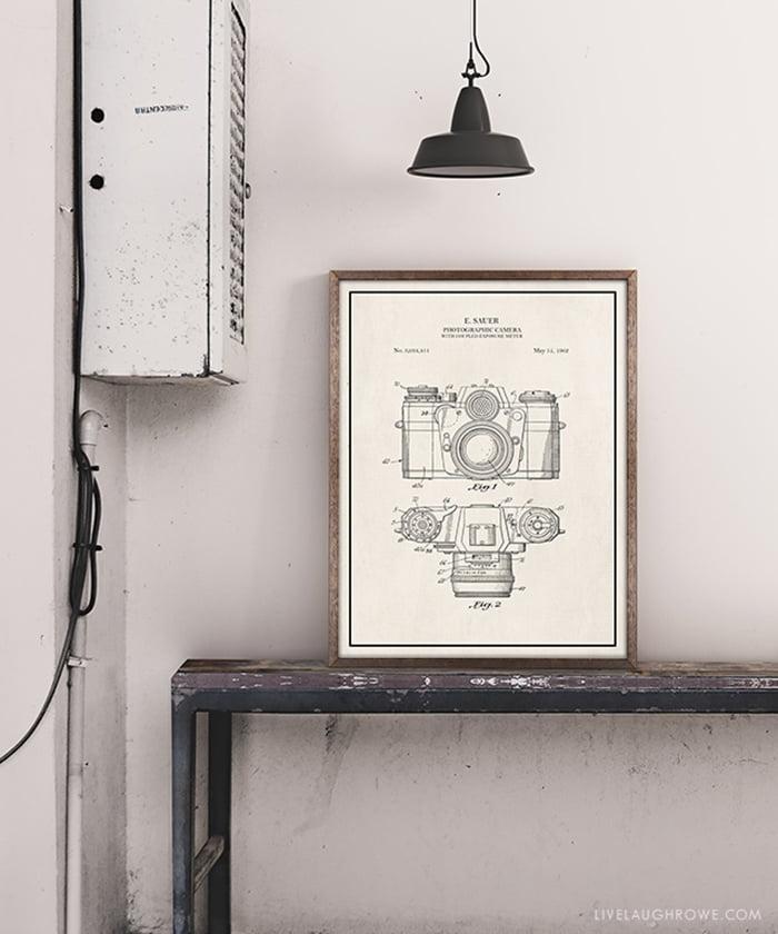 Vintage Camera Print von Live Laugh Rowe (Die besten Free Printable Wandbilder: Free Wall Art zum gratis downloaden und selber ausdrucken auf Hey Pretty Beauty Blog 2021)