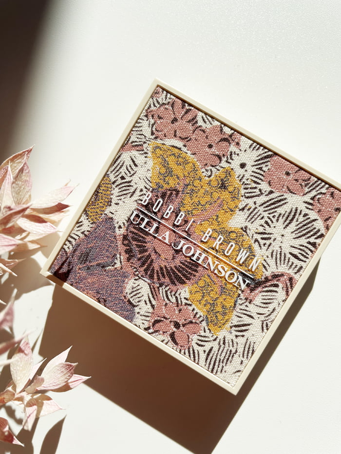 Hey Pretty Beauty Blog Review Bobbi Brown Ulla Johnson Highlighting Powder