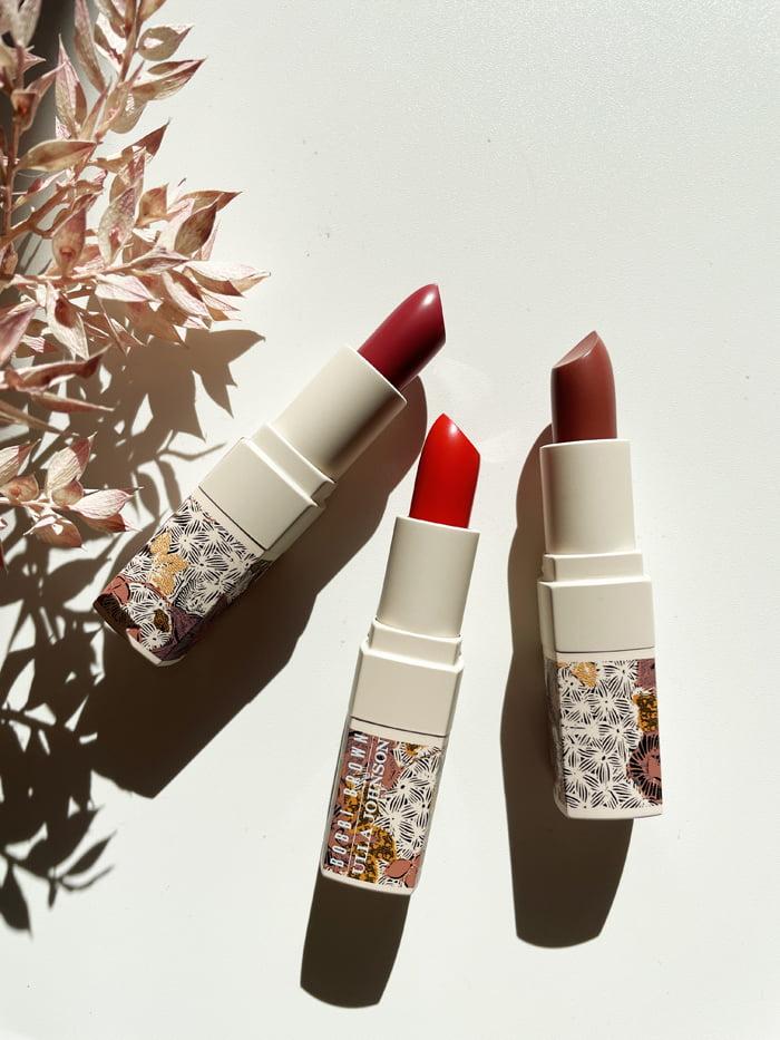 Hey Pretty Beauty Blog Review Bobbi Brown Ulla Johnson Crushed Lipsticks