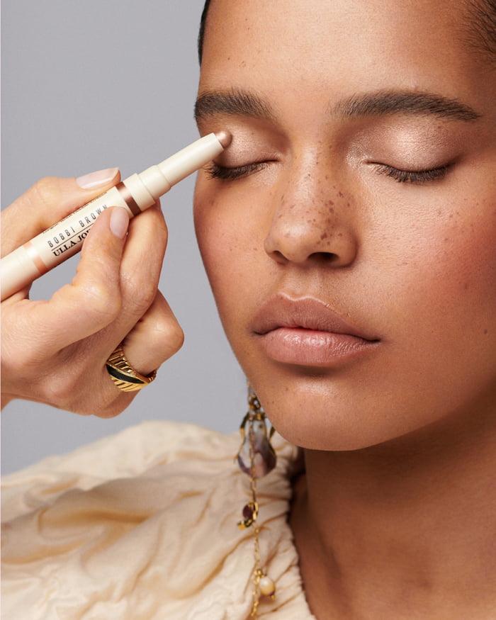 Hey Pretty Beauty Blog Review Bobbi Brown Ulla Johnson Visual Dual-Ended Long-Wear Eyeshadow Stick